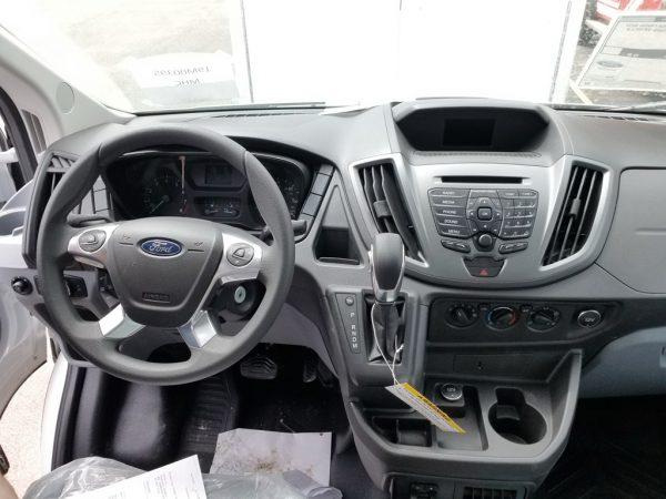 Ford Transit Hackney P2000 12'